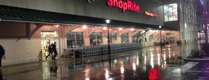 ShopRite of Woodbridge is one of Tempat yang Disukai JC.
