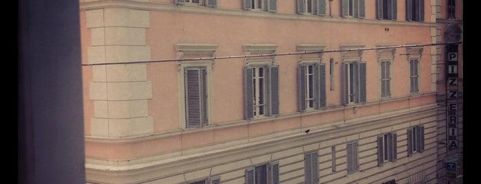 Hotel Victoria Roma is one of Posti che sono piaciuti a Deniz.
