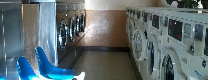 Sunshine Center Laundry is one of Kimberly'in Beğendiği Mekanlar.