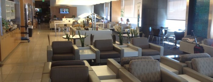 Air New Zealand Koru Club Lounge is one of Lugares favoritos de Nate.
