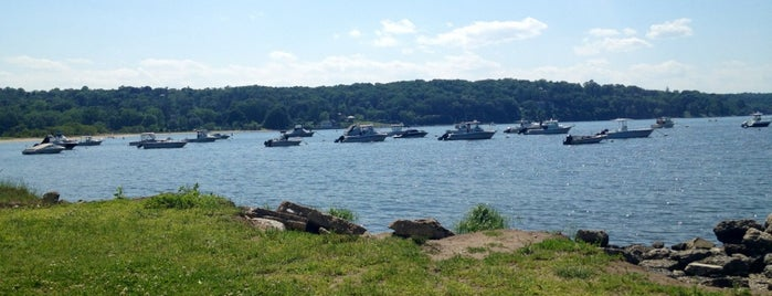 Cold Spring Harbor State Park is one of Sunainaさんのお気に入りスポット.