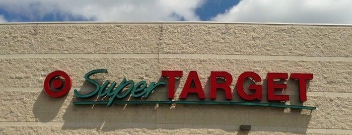 Target is one of สถานที่ที่ Wendi ถูกใจ.