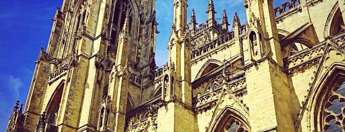 York Minster is one of Ish'ın Beğendiği Mekanlar.