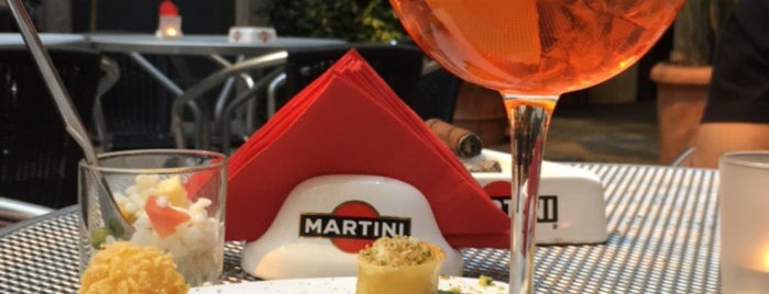 Dolce & Gabbana Martini Bar is one of Lugares favoritos de Ish.