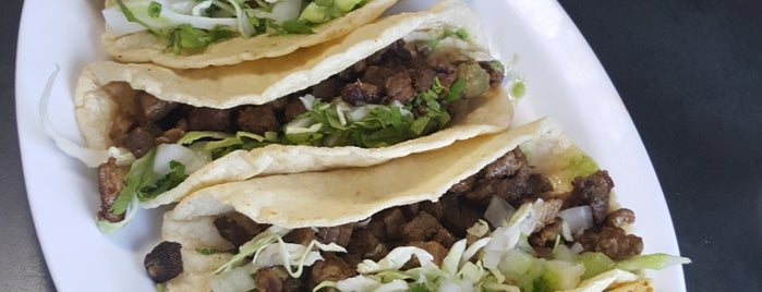 Taqueria Kopitos is one of Laurieさんのお気に入りスポット.