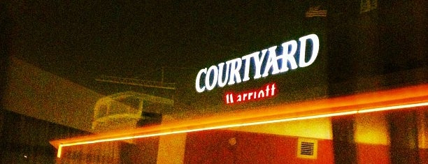 Courtyard by Marriott Washington, DC/U.S. Capitol is one of Lieux qui ont plu à Russell.