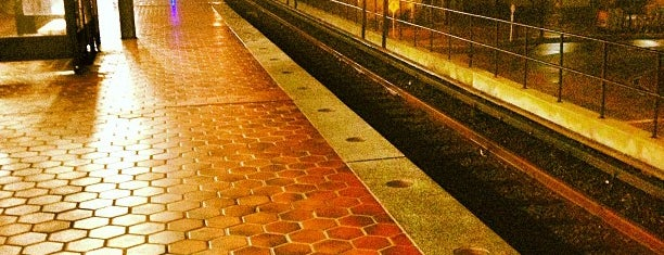 Braddock Road Metro Station is one of DC Metro Insider Tips.