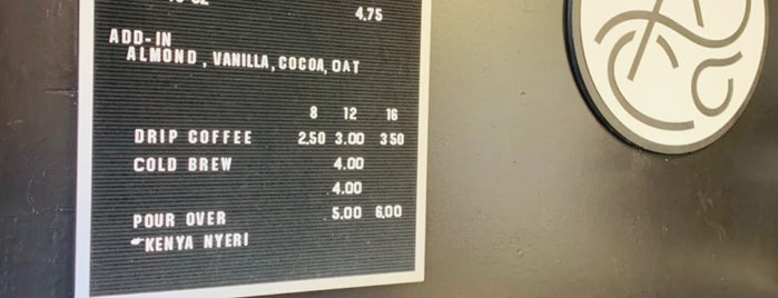 Algorithm Coffee Co. is one of Gieson'un Beğendiği Mekanlar.