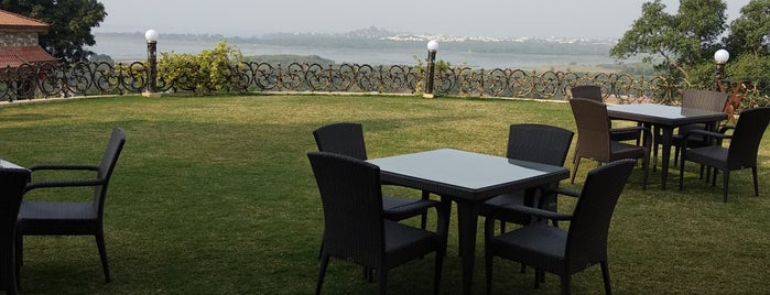 Noor Us Sabah Palace Hotel Bhopal is one of Lugares favoritos de Christopher.