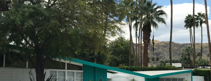 Palm Springs Modern Tours is one of SoCal.