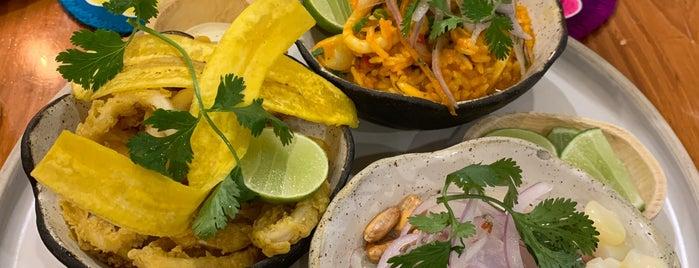Barrio Ceviche Seafood Kitchen is one of สถานที่ที่บันทึกไว้ของ Charly.