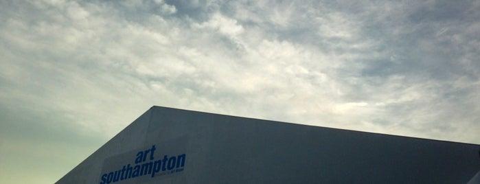 Art Southampton is one of DPKG.