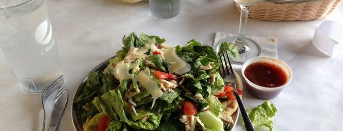 Crust Italian Kitchen & Bar is one of Meganさんのお気に入りスポット.