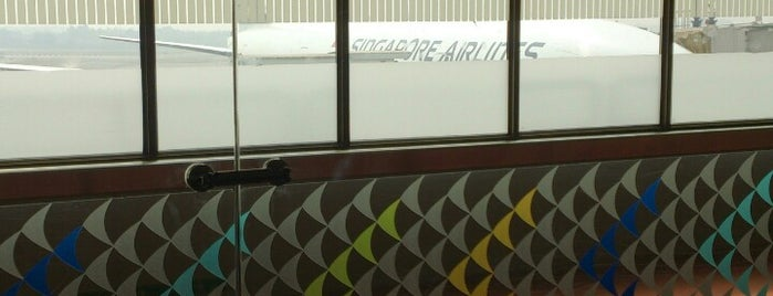 SQ421 BOM-SIN / Singapore Airlines is one of Lieux sauvegardés par Jia-lin Sharlynn.