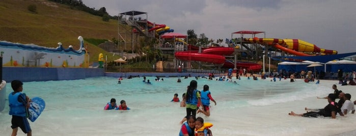 LEGOLAND Water Park is one of Dates <3.