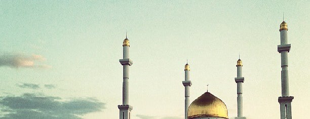 Нұр Астана мешіті / Мечеть Нур Астана / Nur Astana mosque is one of Nur-Sultan.