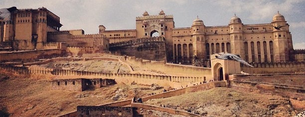 Amer Fort is one of Locais salvos de Diego.