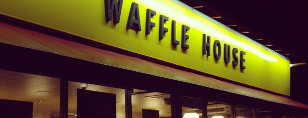 Waffle House is one of Locais curtidos por Katie.
