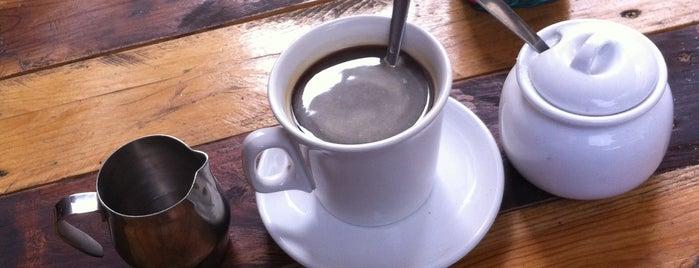 Kumas Café is one of Places Desayuno/Lonche.