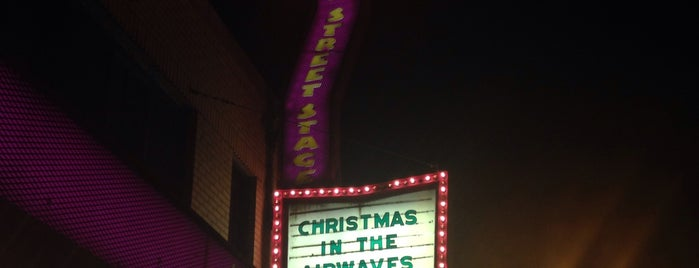 Lyric Arts Main Street Stage is one of Tempat yang Disukai Richard.