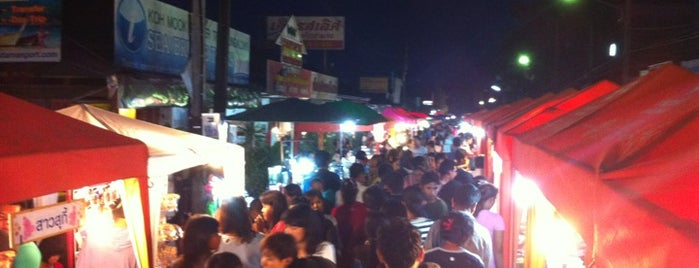 Tha Klang Night Market is one of Authentic Local Food And Drinks Around The World.