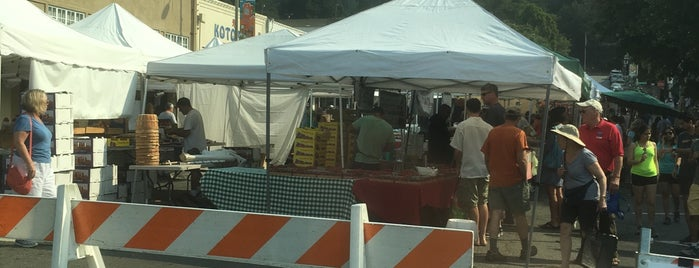 Montclair Farmers Market is one of Bruceさんのお気に入りスポット.