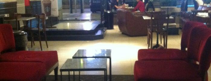 Starbucks is one of สถานที่ที่ Juan María ถูกใจ.