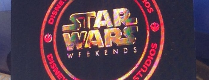 Star Wars Weekends is one of Tempat yang Disukai Topher.