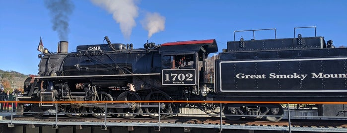 Great Smoky Mountain Railroad is one of Super's Liked Places.