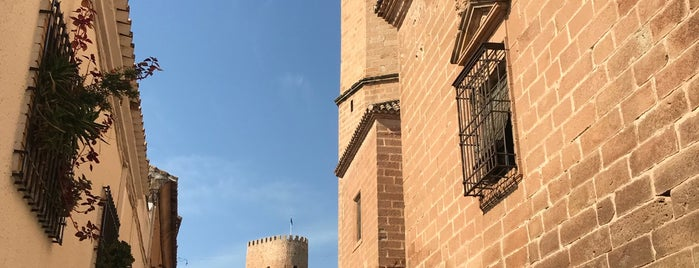 Castillo De Burgalimar is one of Lugares Míticos de Jaén.