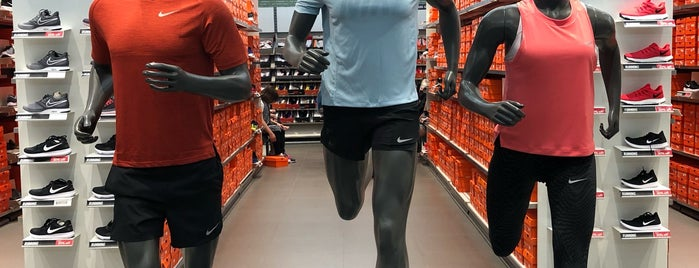 Nike Factory Store is one of Shankさんのお気に入りスポット.