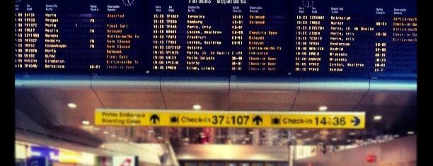 Aeroporto de Lisboa Humberto Delgado (LIS) is one of Airports (around the world).