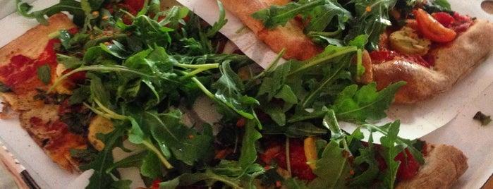Pazzi X Pizza is one of Aoife : понравившиеся места.