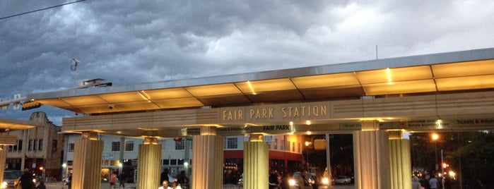 Fair Park Station (DART Rail) is one of Posti che sono piaciuti a Devin.
