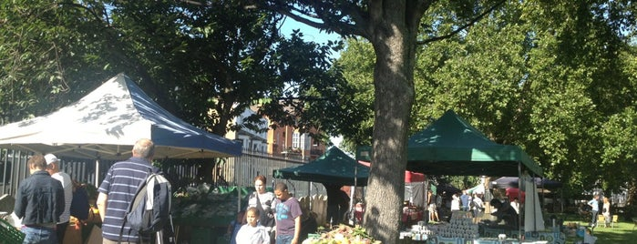 Oval Farmers' Market is one of London Markets.