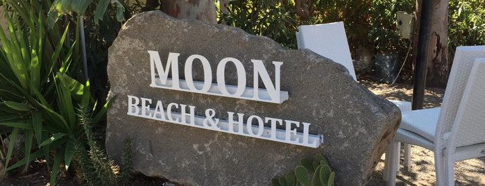 Moon Hotel & Beach & Lounge is one of Posti che sono piaciuti a Dilara.