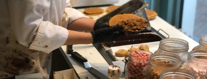 Van Wonderen Stroopwafels is one of Amsterdam 2019.