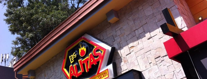 Las Alitas is one of Locais salvos de Andrea.