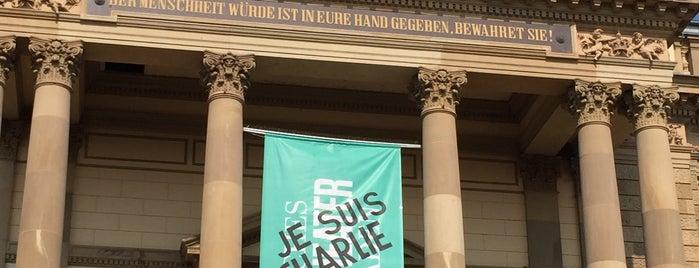 Hessisches Staatstheater is one of Studentische Angebote (StAnge).