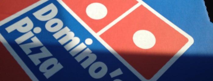 Domino's Pizza is one of Tempat yang Disimpan Alex.