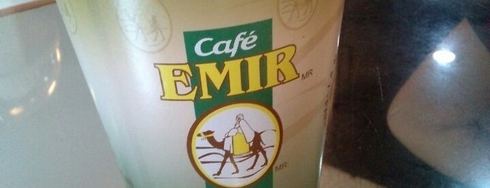 Café Emir is one of Locais curtidos por Eduardo.