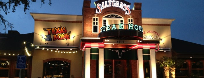 Saltgrass Steakhouse is one of Lugares favoritos de Jan.
