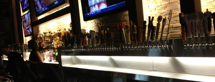 Old Town Pour House - Chicago is one of Places To Visit.