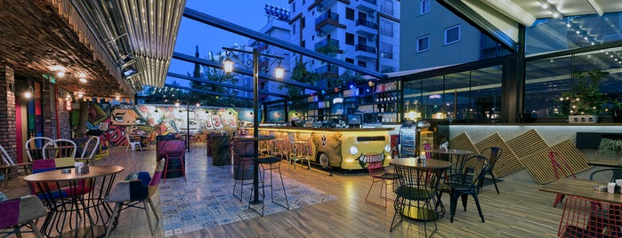 Voswos Garage Coffee Hotel is one of Lugares favoritos de ....
