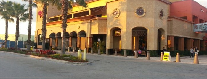 The Cheesecake Factory is one of Tempat yang Disukai Vinícius.