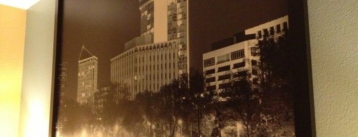 Super 8 by Wyndham Park City is one of DJ : понравившиеся места.