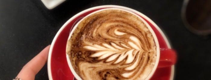 Roasted Coffee is one of สถานที่ที่บันทึกไว้ของ Olga.