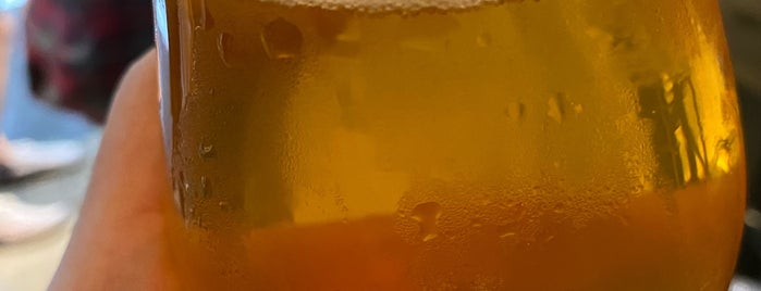Titans Craft Beer Bar & Bottle Shop is one of SV'ın Beğendiği Mekanlar.