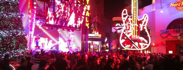 Universal CityWalk Hollywood is one of LA Guide for Arabs ;).