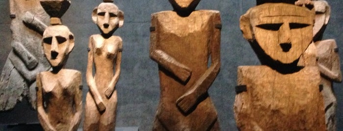 Museo Chileno de Arte Precolombino is one of #SantiagoTrip.